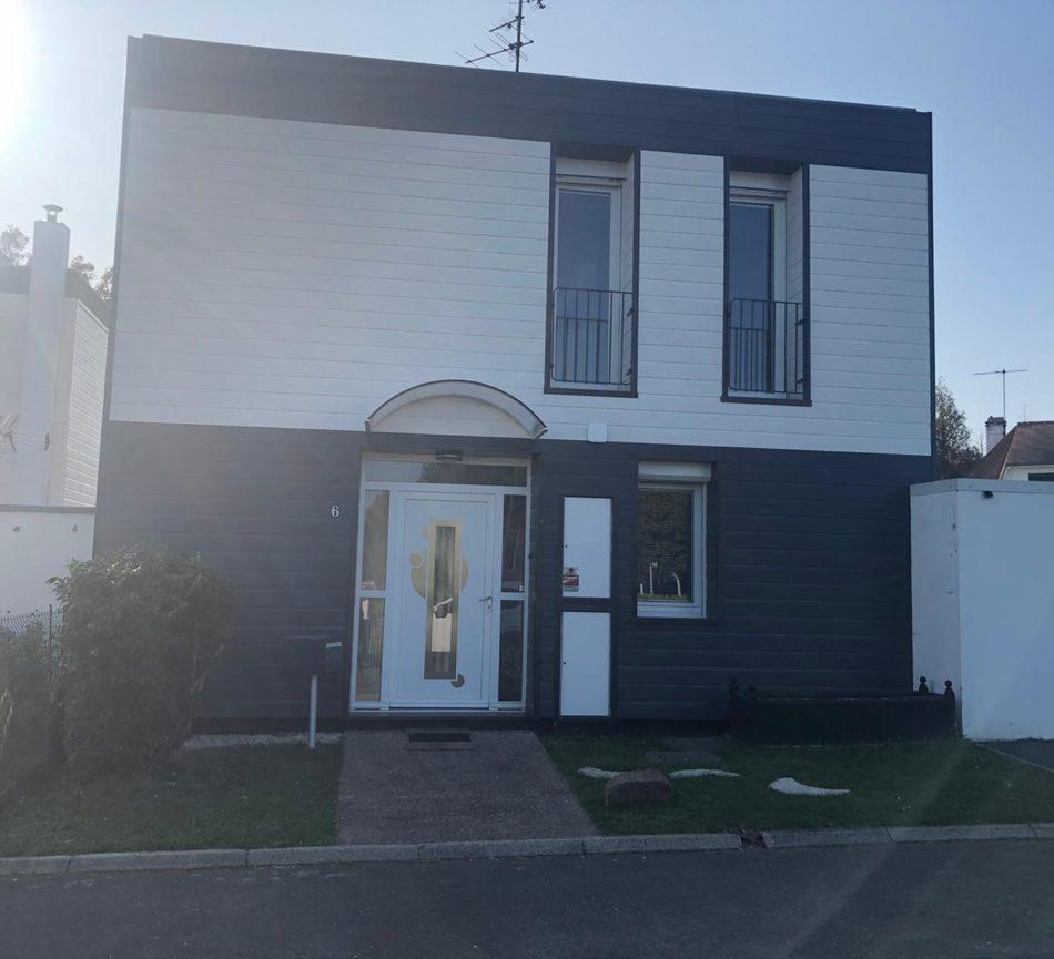 Bardage blanc maison